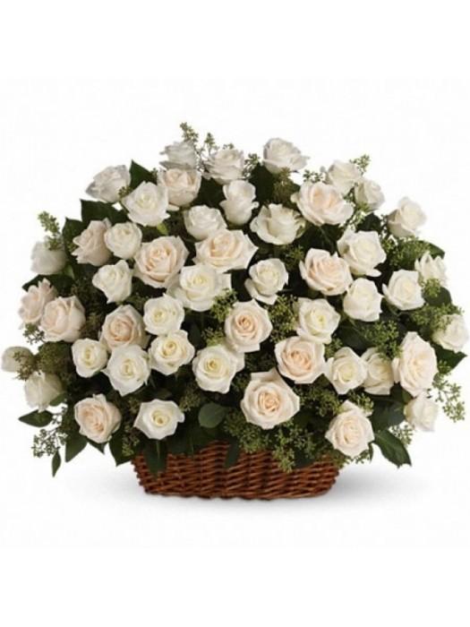 Поръчай Кошница 101 Бели Рози - безплатна доставка в София и Пловдив
