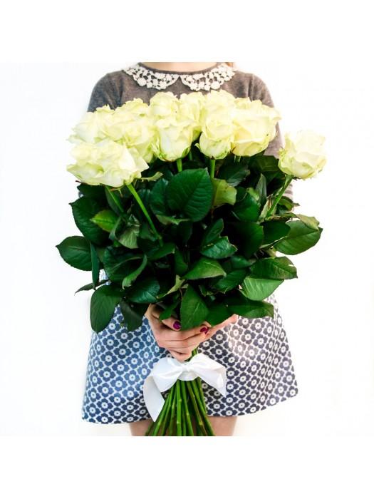 Букет от 25 Първокласни Еквадорски Бели Рози - поръчка на цветя - доставка на цветя