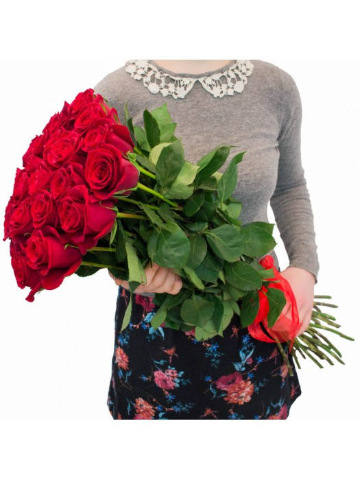 Букет от 25 Първокласни еквадорски червени рози - онлайн поръчка и доставка на рози и букети рози