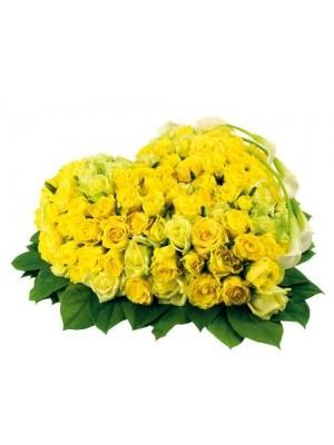 Сърце от 101 Жълти Рози