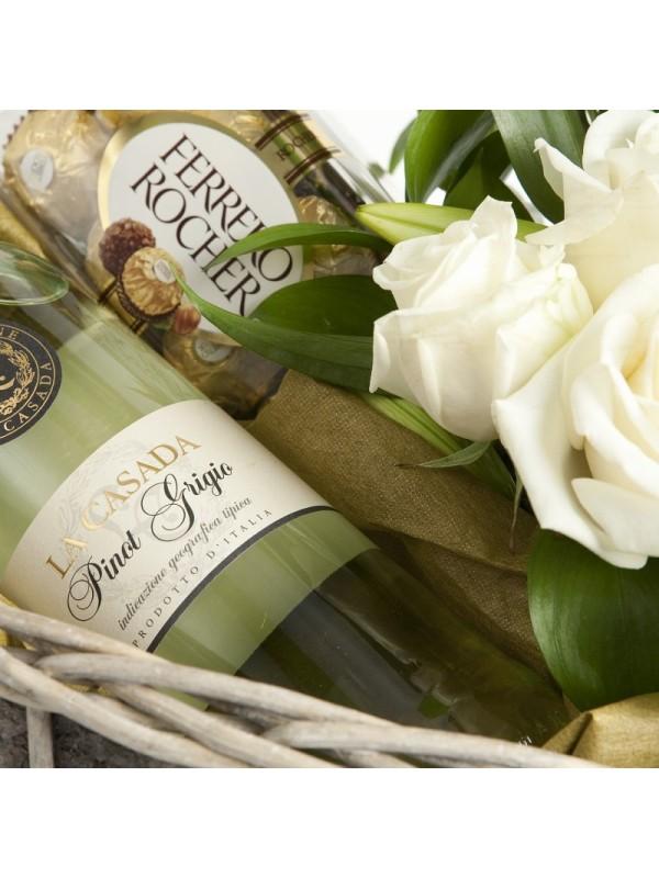 Поръчай Кошница Вино и Рози