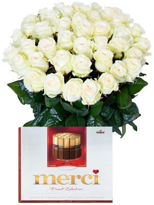Букет от бели рози и Merci
