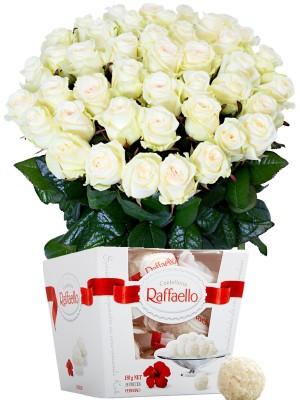 Букет от бели рози и Рафаело