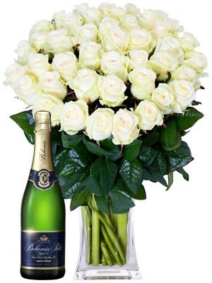 Букет от бели рози и шампанско